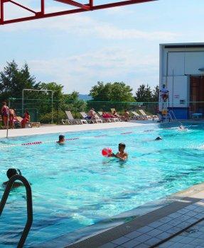 Zone de loisirs de Hurongues<br>piscine/ camping / plan d'eau / tennis<br>Pomeys